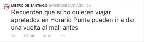 Ejemplo de tweet publicado en la cuenta parodia del Metro de Santiago
